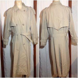 Women's Size 10R Towne London Fog Trenchcoat